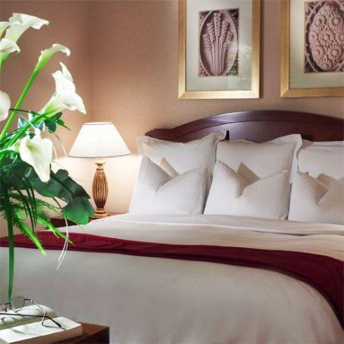 350_large--liebe-mit-biss-im-renaissance-zuerich-hotel