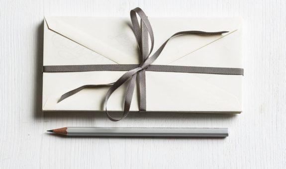 Kreative und persönliche DIY Hochzeitseinladungen